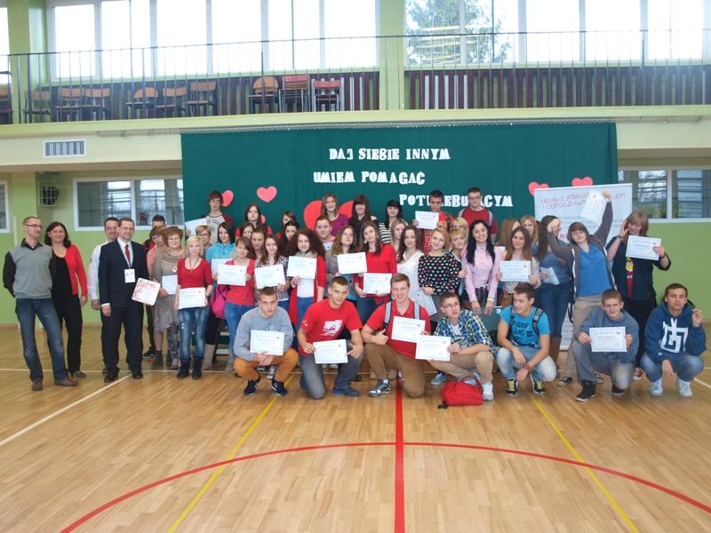 """Ełk. Projekt """"Daj siebie innym - umiem pomagać potrzebującym"""" - certyfikaty [RELACJA] - www.ngo.pl"""
